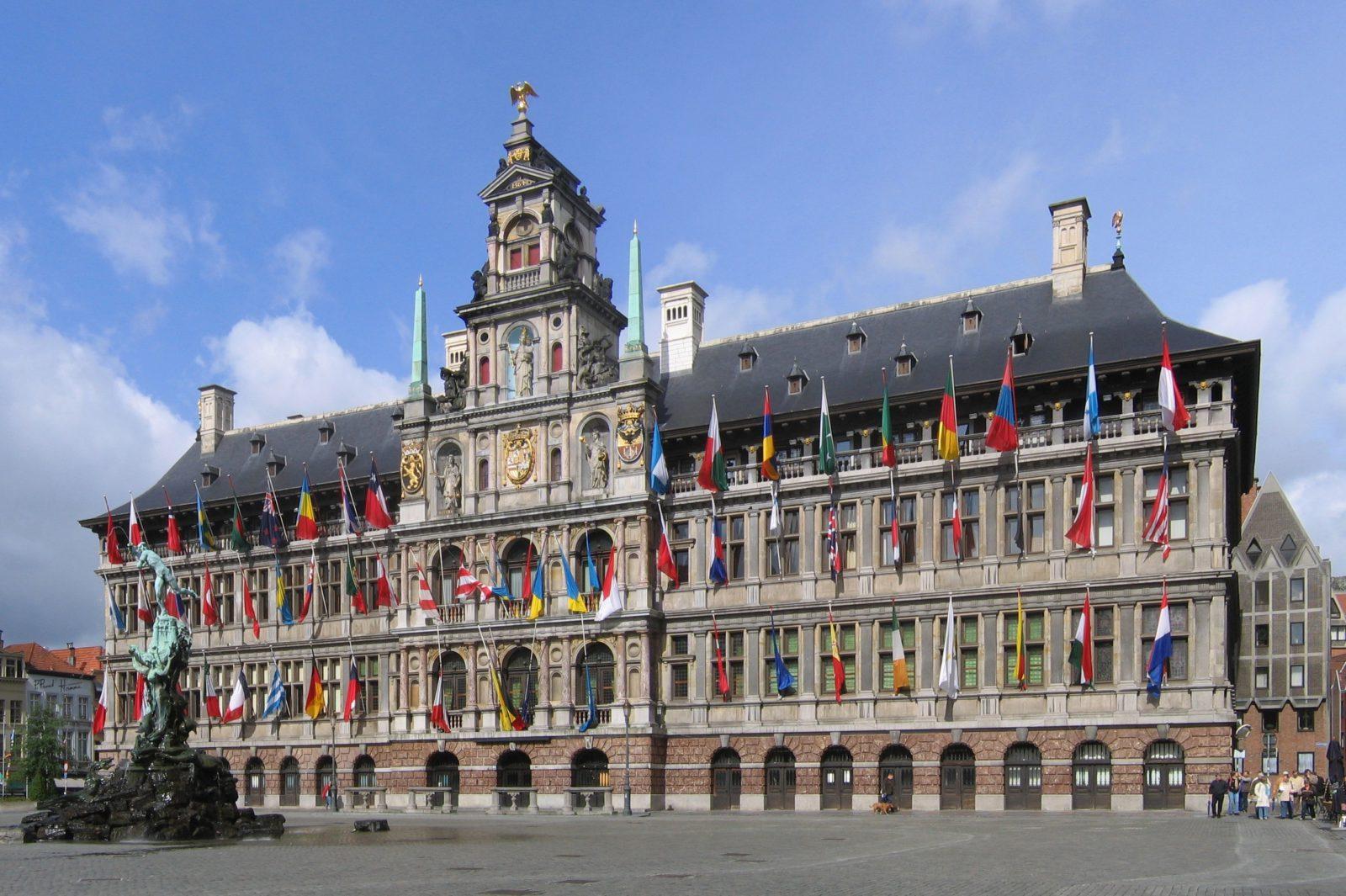 Antwerpen Stadhuis Crop4 2006 05 28